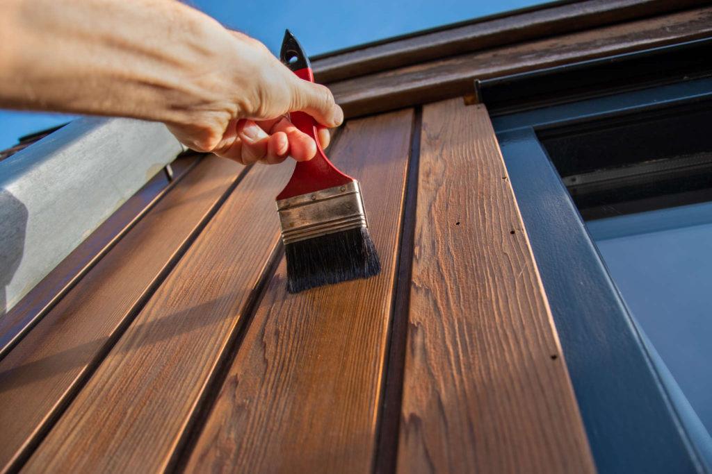 Verniciare e proteggere il legno