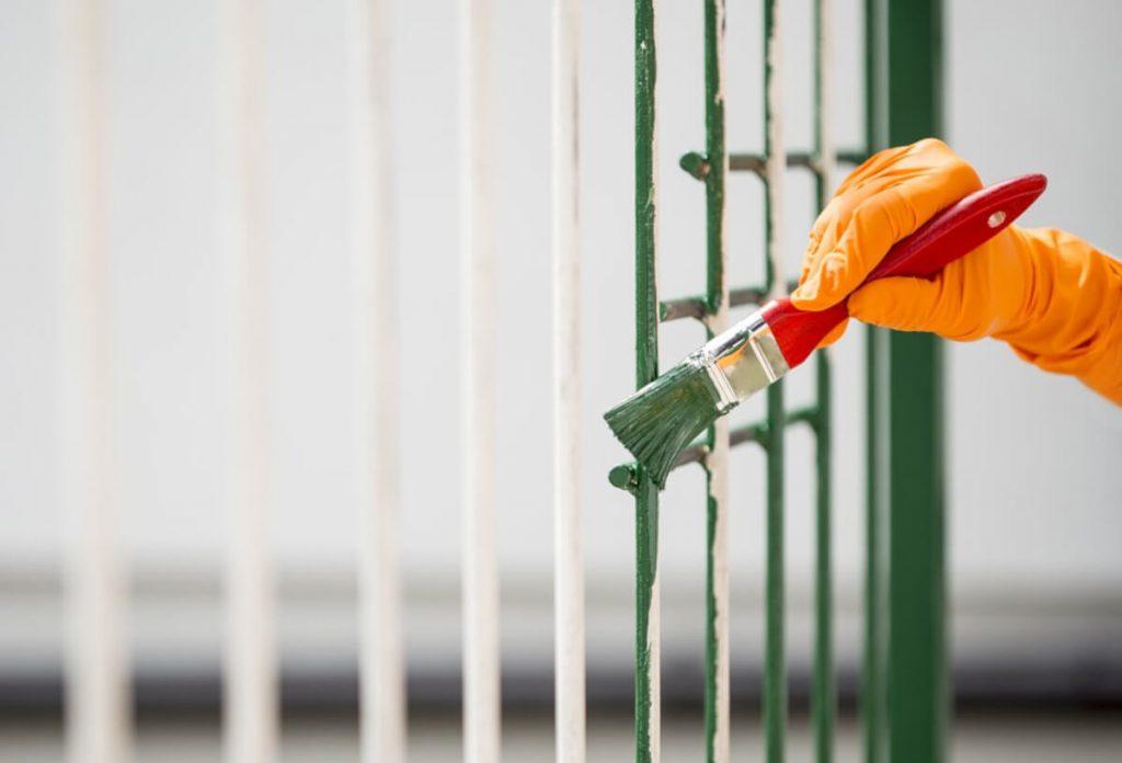 Come togliere la ruggine dal cancello e dai balconi